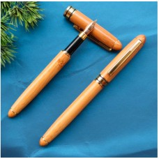 Перьевая ручка из бамбука